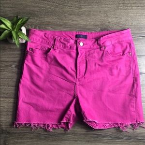 EUC NYDJ Cut-Off Shorts